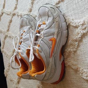 2007 Nike Air Nsight III sneakers